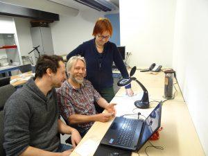 Links Pieterjan Deckers, midden Torben Trier Christiansen, rechts Aagje Brugman. De foto is gemaakt door H. Hendrikse.